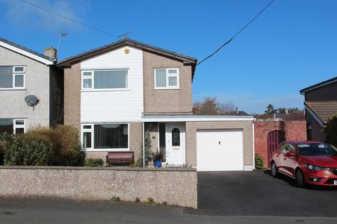 3 bedroom detached house for sale - Old School Road, Holyhead