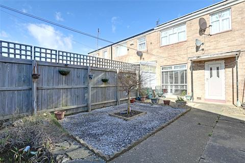 3 bedroom terraced house for sale - Hambledon Close, Bransholme, Hull, East Yorkshire, HU7