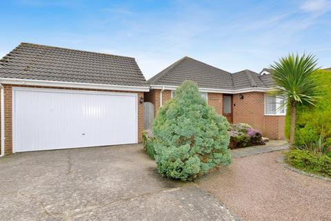 3 bedroom detached bungalow for sale - Cliffe Road, Barton On Sea, New Milton