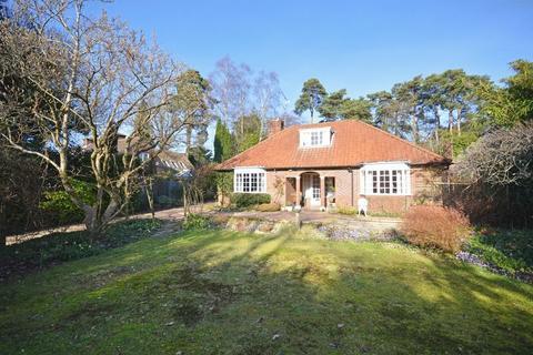 3 bedroom detached house for sale - Crossways Road, Grayshott