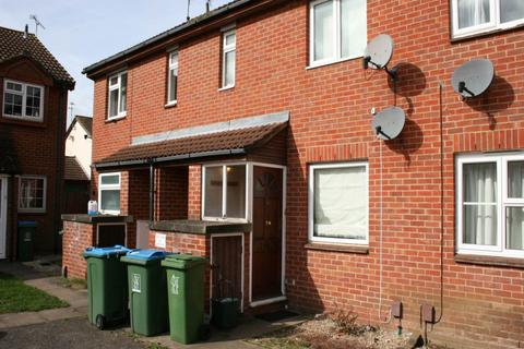 1 bedroom flat to rent - The Dell, , Aylesbury