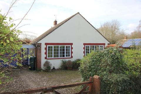 3 bedroom detached bungalow for sale - Winchester Road, Alresford