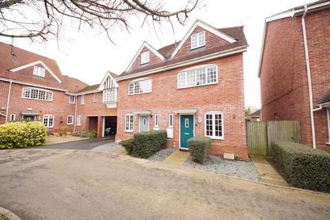 3 bedroom terraced house for sale - Foundry Close, Hook