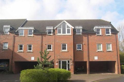 2 bedroom apartment to rent - Claycorn Court, Claygate, Surrey, KT10
