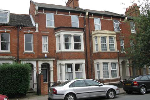 House share to rent - Abington Grove