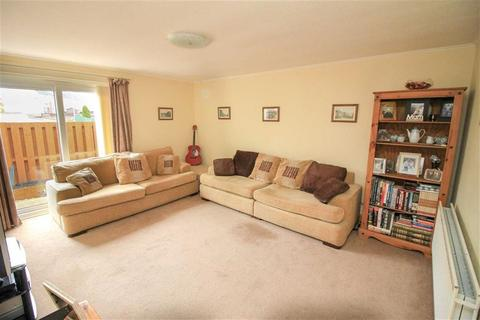2 bedroom flat for sale - Ancrum Court, Hawick