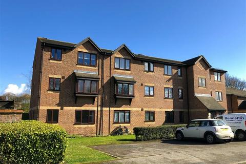1 bedroom flat for sale - Moorymead Close, Watton At Stone, Herts, SG14