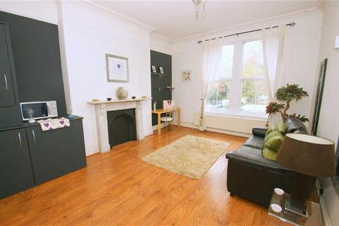 2 bedroom flat to rent - Westhill Terrace, LS7