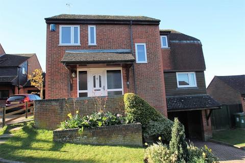 4 bedroom detached house for sale - Stevenson Close, Maidstone
