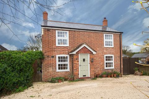 4 bedroom detached house for sale - Moor End, Eaton Bray, Bedfordshire