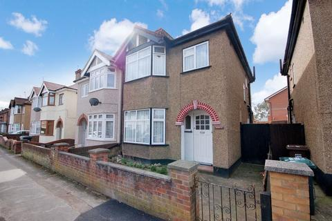 3 bedroom semi-detached house for sale - Grove Road, Rickmansworth, WD3