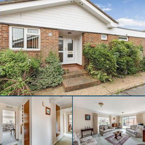3 bedroom semi-detached bungalow to rent - Edgeborough Way, Bromley/Bickley borders