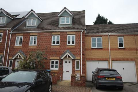 3 bedroom townhouse to rent - Cobb Close, Coventry CV2 4GF