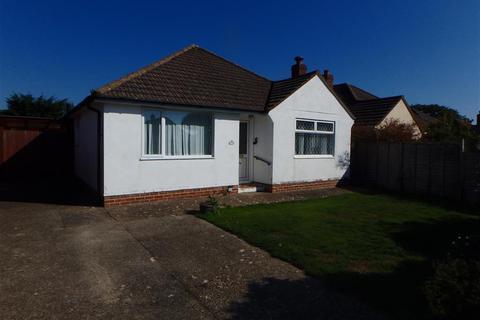 2 bedroom detached bungalow for sale - Longfield Road, Hordle, Lymington, SO41 0HH