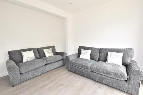 8 bedroom detached house to rent - Whiteway Road