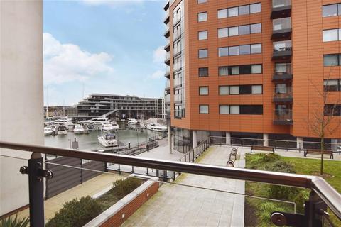 2 bedroom flat for sale - Ocean Way, Southampton, SO14 3LJ