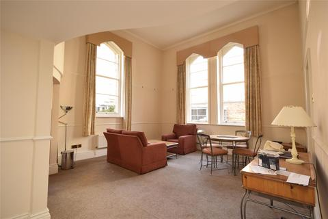 2 bedroom flat to rent - St Georges Place, Cheltenham