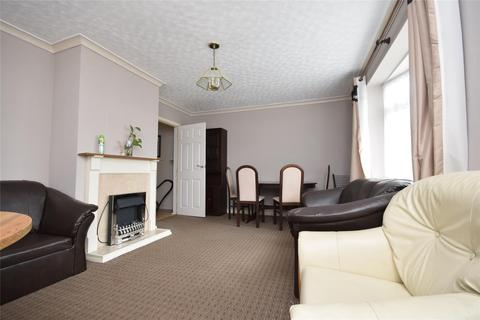 4 bedroom semi-detached house to rent - Cheviot Road, CHELTENHAM, GL52 5HG