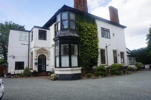 2 bedroom ground floor flat to rent - Birmingham Road, Walsall, WS5 3NE
