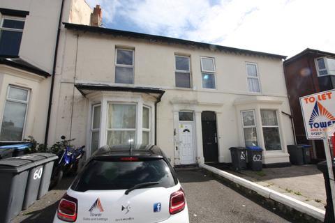 Studio to rent - 60 Park Road, Blackpool