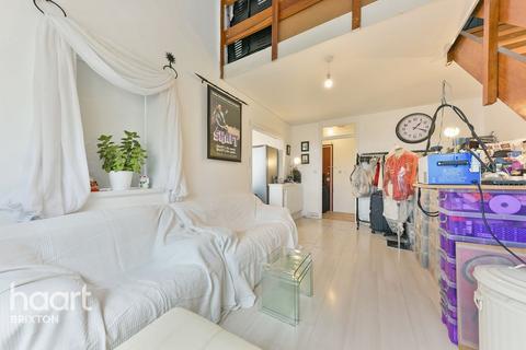 1 bedroom flat for sale - Grantham Road, London