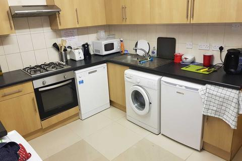 4 bedroom flat to rent - Wokingham Road, Reading