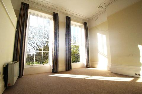 1 bedroom apartment to rent - Flat 4, 37 Pittville Lawn