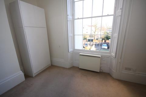 Studio to rent - Flat 6, 35 Pittville Lawn