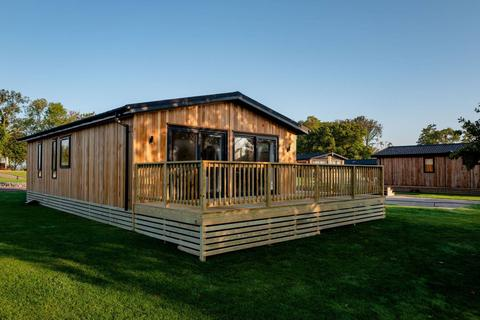 2 bedroom lodge for sale - Laceby North East Lincolnshire