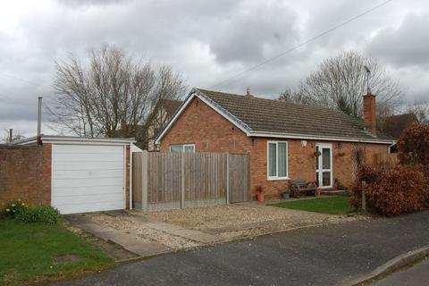2 bedroom detached bungalow for sale - Styles Place, Yelvertoft, Northampton NN6 6LR