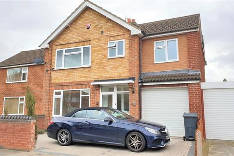 4 bedroom semi-detached house to rent - Woodcroft Avenue, Knighton, Leicester LE2