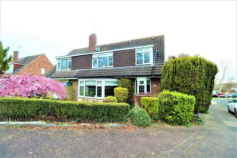 4 bedroom semi-detached house for sale - Hazelwood , Crawley, West Sussex. RH11 8DX