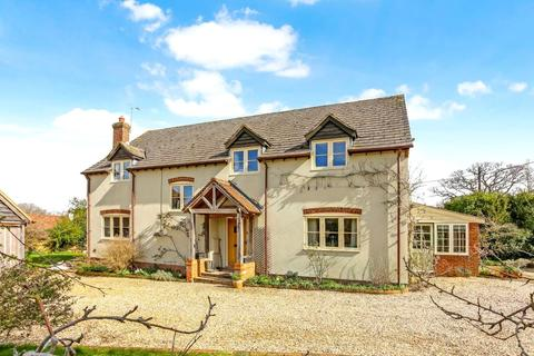 4 bedroom detached house for sale - Pamber Road, Charter Alley, RG26