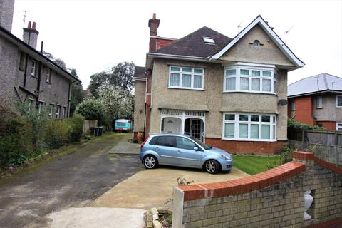2 bedroom flat to rent - Chessel Avenue, Bournemouth BH5