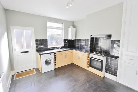 2 bedroom terraced house to rent - Langdale Road, Sheffield, S8 0UQ