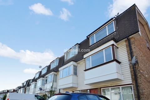 4 bedroom end of terrace house to rent - Atkinson Road, Canning Town E16