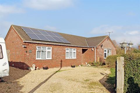 4 bedroom bungalow for sale - Bluebells Littlemoor Lane Sibsey Boston