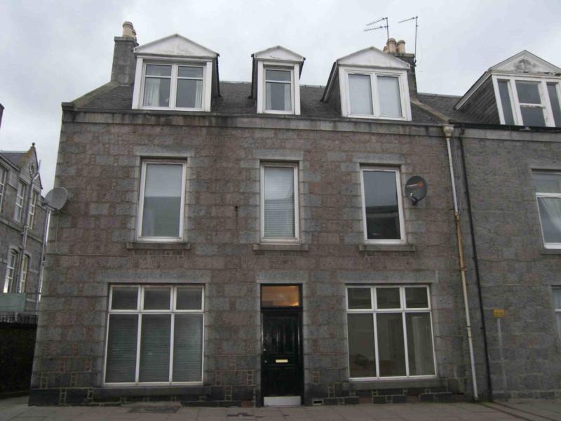 116 Bon accord Street − Exterior