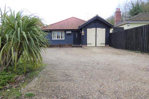 3 bedroom bungalow for sale - Frating Road, Great Bromley, CO7