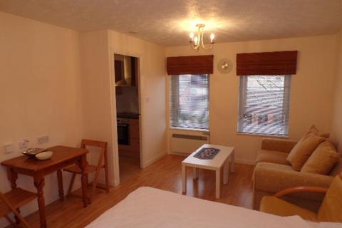 1 bedroom flat to rent - Dunlin Road, Cove,