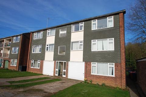 1 bedroom flat to rent - Hiljon Crescent, Chalfont St. Peter, SL9