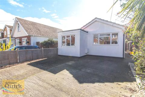 2 bedroom detached bungalow for sale - Grafton Road, Canvey Island, Essex, SS8