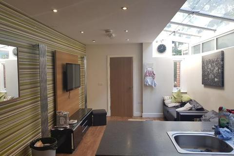 7 bedroom terraced house to rent - Heeley Road, Selly Oak