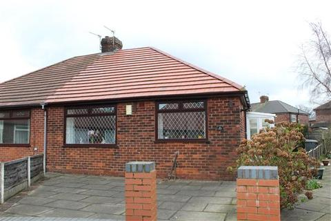 2 bedroom bungalow for sale - Merton Grove, Oldham