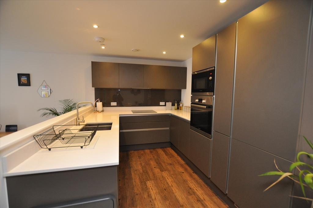 Kitchen / dining area