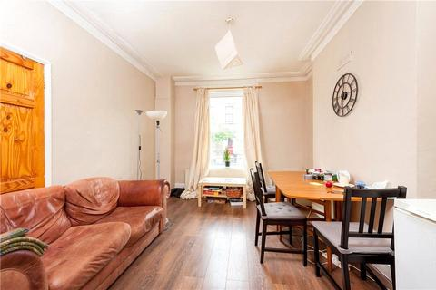 4 bedroom house to rent - Fielding Street, London, SE17
