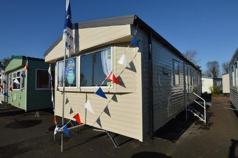 2 bedroom mobile home for sale - Lakeside Holiday Park, Vinnetrow Road, Chichester