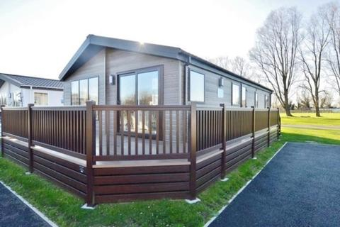 2 bedroom mobile home for sale - Lakeside Holiday Park, Vinnetrow Road