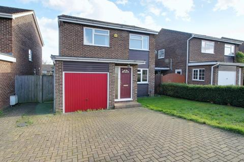 4 bedroom detached house for sale - Bencroft, West Cheshunt