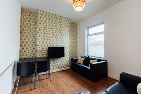 3 bedroom house to rent - Pretoria Villas , Hull,